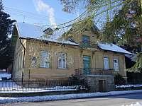 Prvorepublikový domek v Podkrkonoší