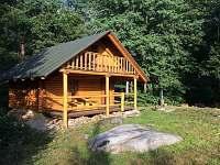 SRUB Machov – samota, klid, bez lidí, v lese